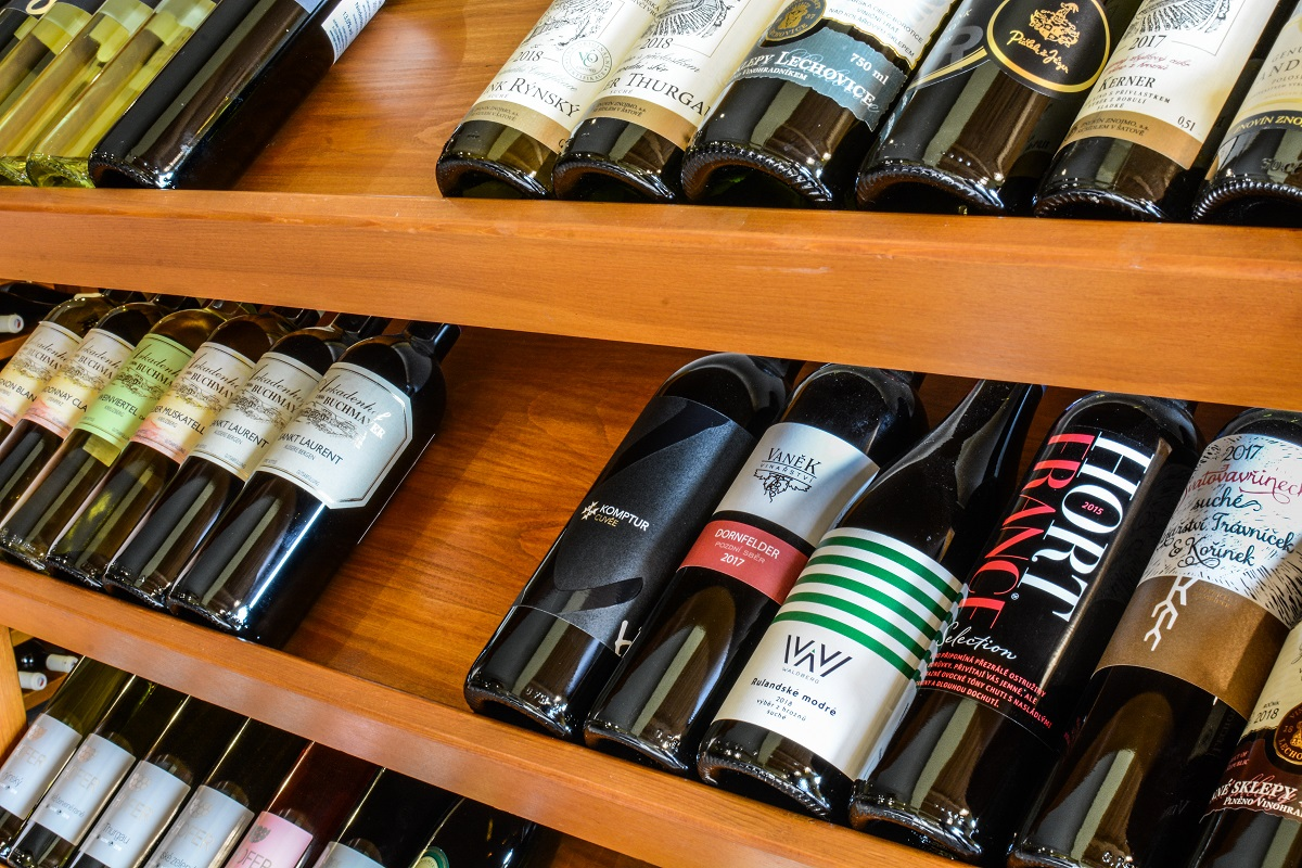 Kartony vín pro vás pečlivě vybíráme