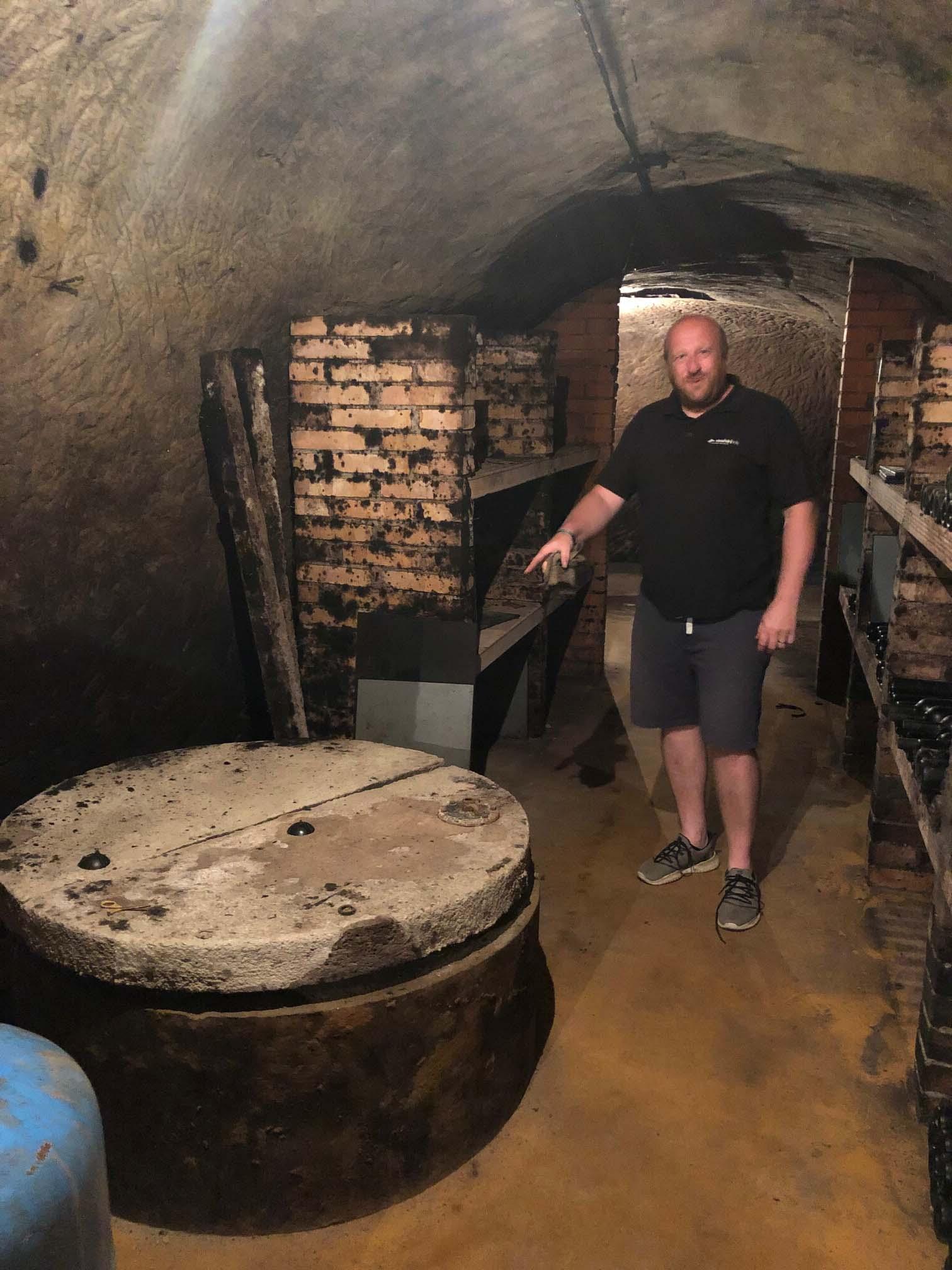 VÍNO VANĚK - to je ta studna ze který bereme vodu na chlazení kvasícího moštu v sudech