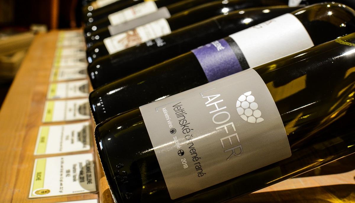 Víno Veltlínské červené rané zvané též jako večerka