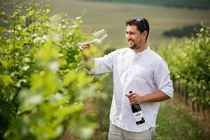 ARTE VINI - Ing. René Vrátil je ten co víno ve vinařství tvoří.